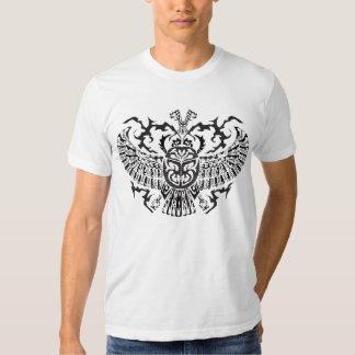 Noir de scarabée de l'Egypte T-shirt