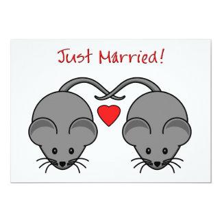Noir de souris de mariage marié invitations