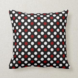 Noir et blanc avec le coussin rouge de carré de