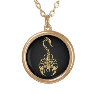 Noir et collier de scorpion d'or
