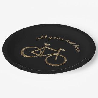 Noir et cycliste de recyclage de bicyclette de assiettes en papier