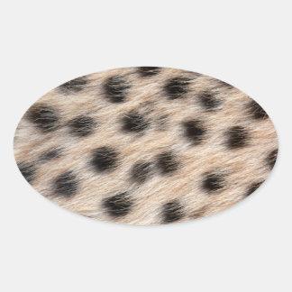 noircissez la fourrure de guépard ou le modèle sticker ovale