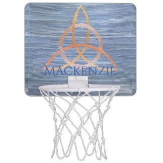 Nom celtique de trinité d'or bleu curieux du sport mini-panier de basket