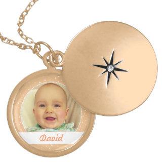 Nom de bébé et collier de couleur de Sandy de phot