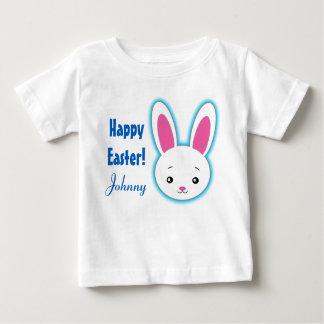 Nom personnalisé par lapin mignon heureux de t-shirt pour bébé
