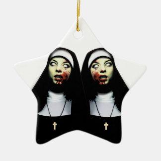 Nonnes d'horreur ornement étoile en céramique