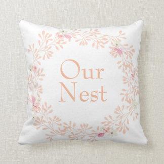 Notre coussin décoratif de guirlande de fleur de
