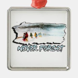 N'oubliez jamais la traînée des larmes ornement carré argenté