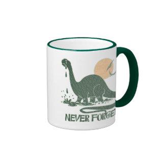 N'oubliez jamais le Sauropod triste par des studio Mug Ringer