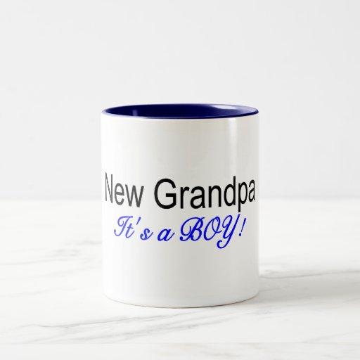 Nouveau grand-papa son un garçon tasse à café