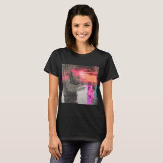 Nouveau T-shirt abstrait chaud pour elle !