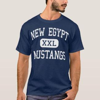 Nouveaux mustangs nouvelle Egypte moyenne de T-shirt