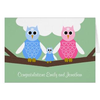 Nouvelle carte de félicitations de bébé avec la