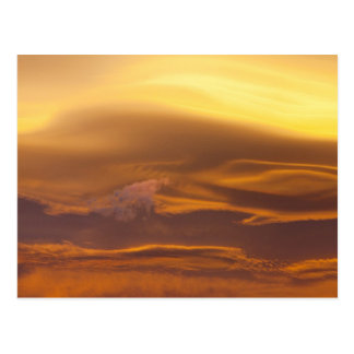 Nuage lenticulaire au coucher du soleil cartes postales