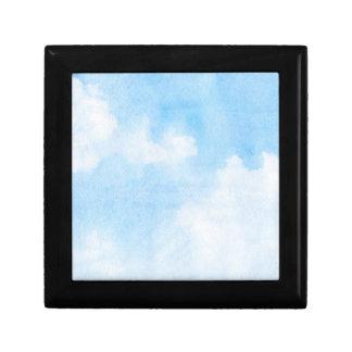 Nuages d'aquarelle et arrière - plan de ciel petite boîte à bijoux carrée
