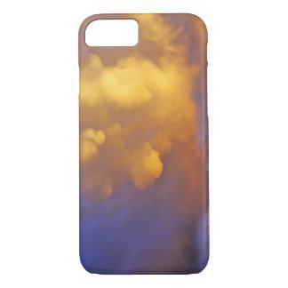 Nuages de tempête dans la gamme centennale au coque iPhone 7