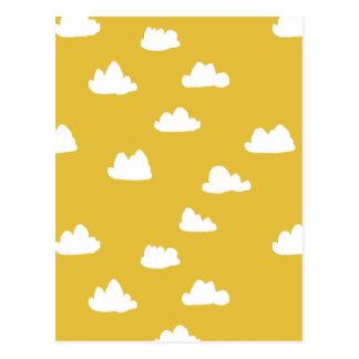 Nuages/jaune neutre de moutarde/Andrea Lauren Carte Postale