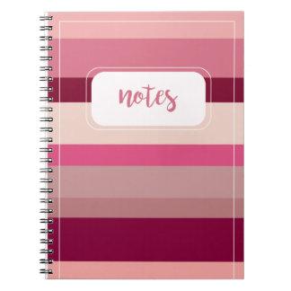 Nuances de carnet rayé rose