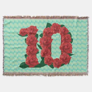 Numéro 10 roses rouges du 10ème anniversaire couvre pied de lit
