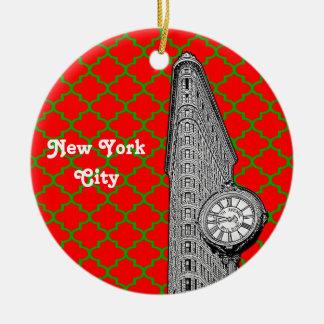 NYC Flatiron établissant Noël rouge de Grn Ornement Rond En Céramique