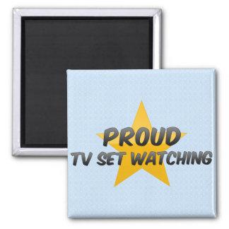Observation fière de poste TV Aimants
