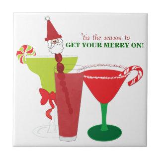 Obtenez votre joyeux sur des cocktails de Noël Carreaux