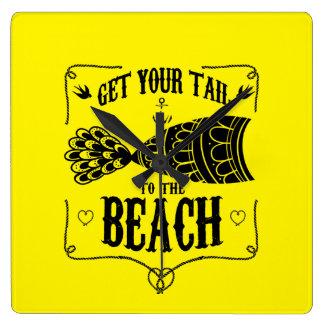 Obtenez votre queue à la plage horloge carrée