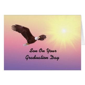 Obtention du diplôme Eagle de fils Cartes
