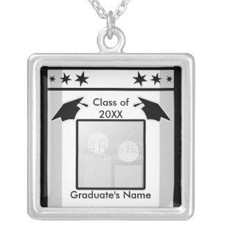 Obtention du diplôme noir, blanc et gris (cadre de pendentif carré