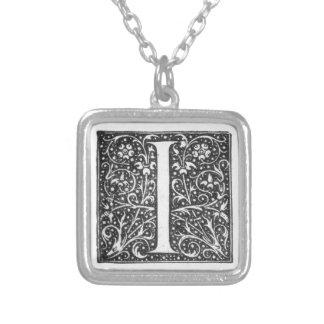 OE de collier de la lettre I de monogramme