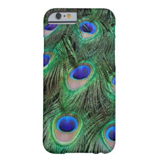 Oeil-taches sur la plume masculine de paon coque barely there iPhone 6