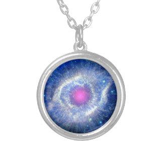 Oeil ultra-violet de nébuleuse d'hélice de photo pendentif rond