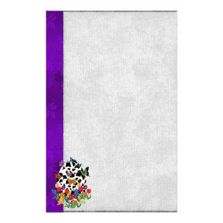Oeuf de pâques de peau de vache papier à lettre customisé