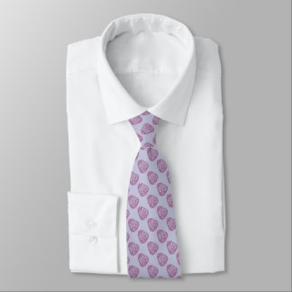 Oeuf de pâques pourpre avec les points roses cravates