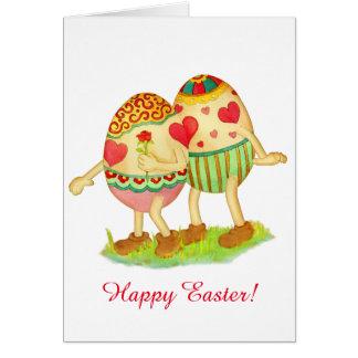 Oeufs dans la carte de Pâques d'amour