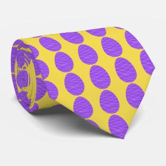 Oeufs de pâques pourpres cravates