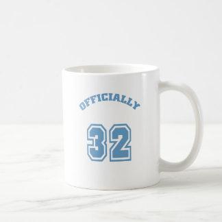 Officiellement 32 mug