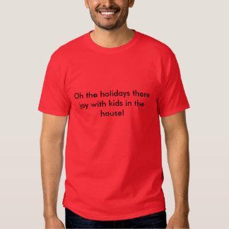 Oh de vacances la joie là avec des enfants dans la t-shirts