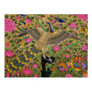 Oiseau avec de la carte postale cent yeux