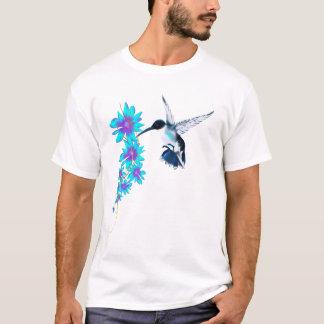 Oiseau de ronflement dans le T-shirt bleu