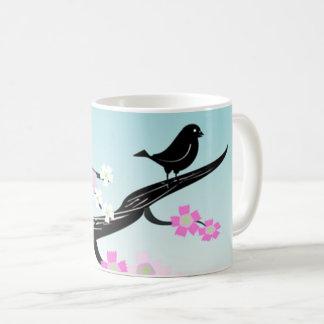 Oiseau noir adorable sur la branche Mousepad Mug