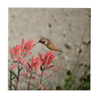 Oiseau rouge de fleur carreau