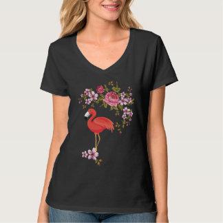 Oiseau tiré par la main de flamant avec le T-shirt