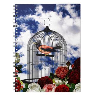 Oiseau vintage dans la cage carnet à spirale