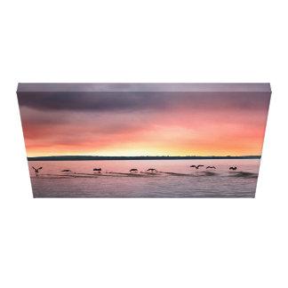 Oiseaux à la copie de toile de coucher du soleil
