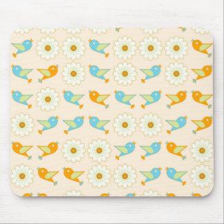 Oiseaux et marguerites tapis de souris