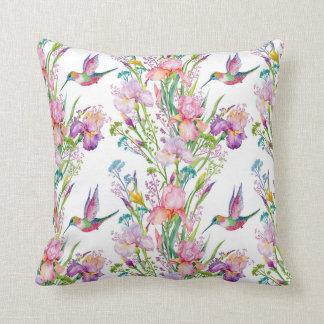 Oiseaux roses blancs de lavande de colibri d'iris coussin