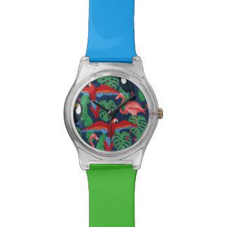 Oiseaux tropicaux dans des couleurs lumineuses montre