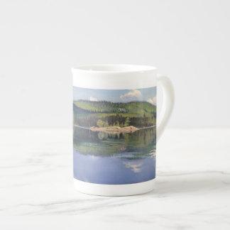 Ombre d'île et de nuage - tasse de porcelaine