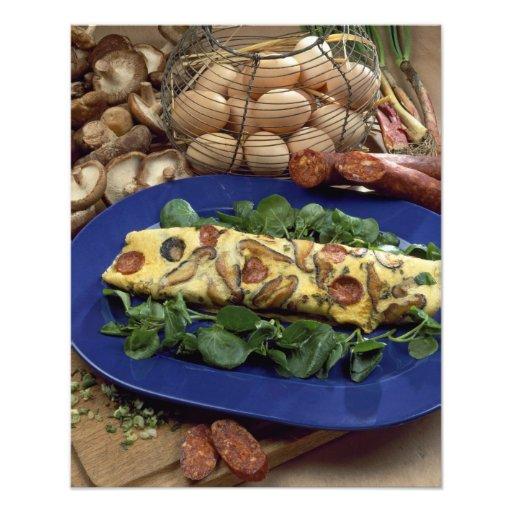 Omelette roulée avec le shiitaké et le chorizo - impression photo